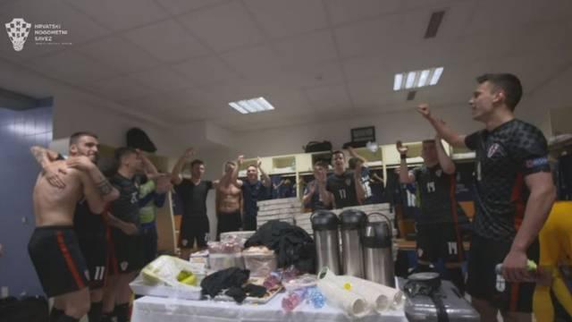 VIDEO Mini 'vatreni' prošli u četvrtfinale pa žestoko slavili