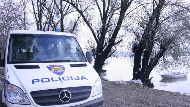 Policija uništava pirotehniku u kamenolomu Karlota u Raši