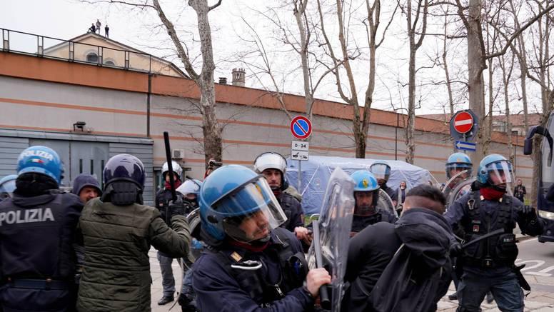 Policija privodila i novčano kažnjavala koronapartijanere