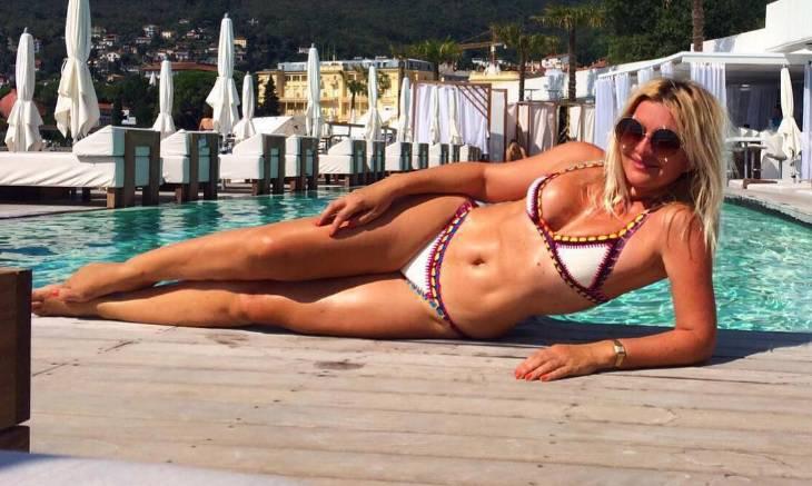 Mehun pozirala u bikiniju te pokazala 'ludo' isklesano tijelo