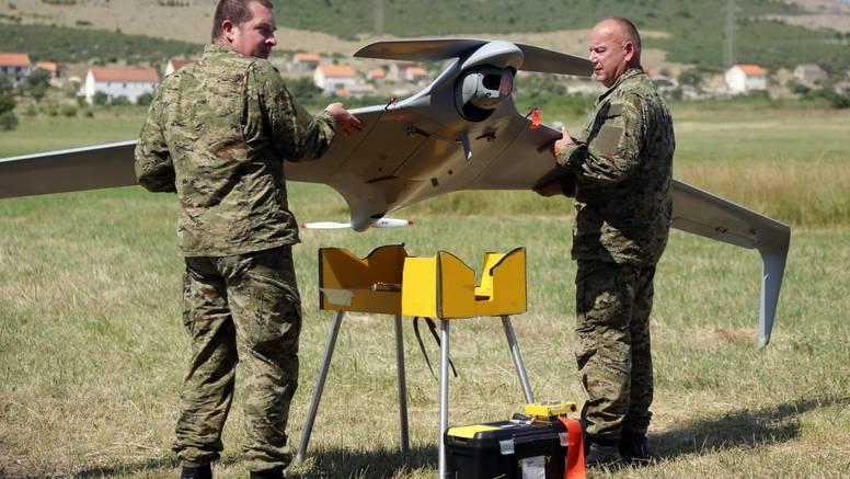 U zraku može biti šest sati: Vojni dron čuvat će naše šume