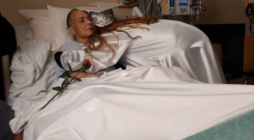 Ispunili joj zadnju želju: Vidjela je maturu svoje kćeri pa umrla