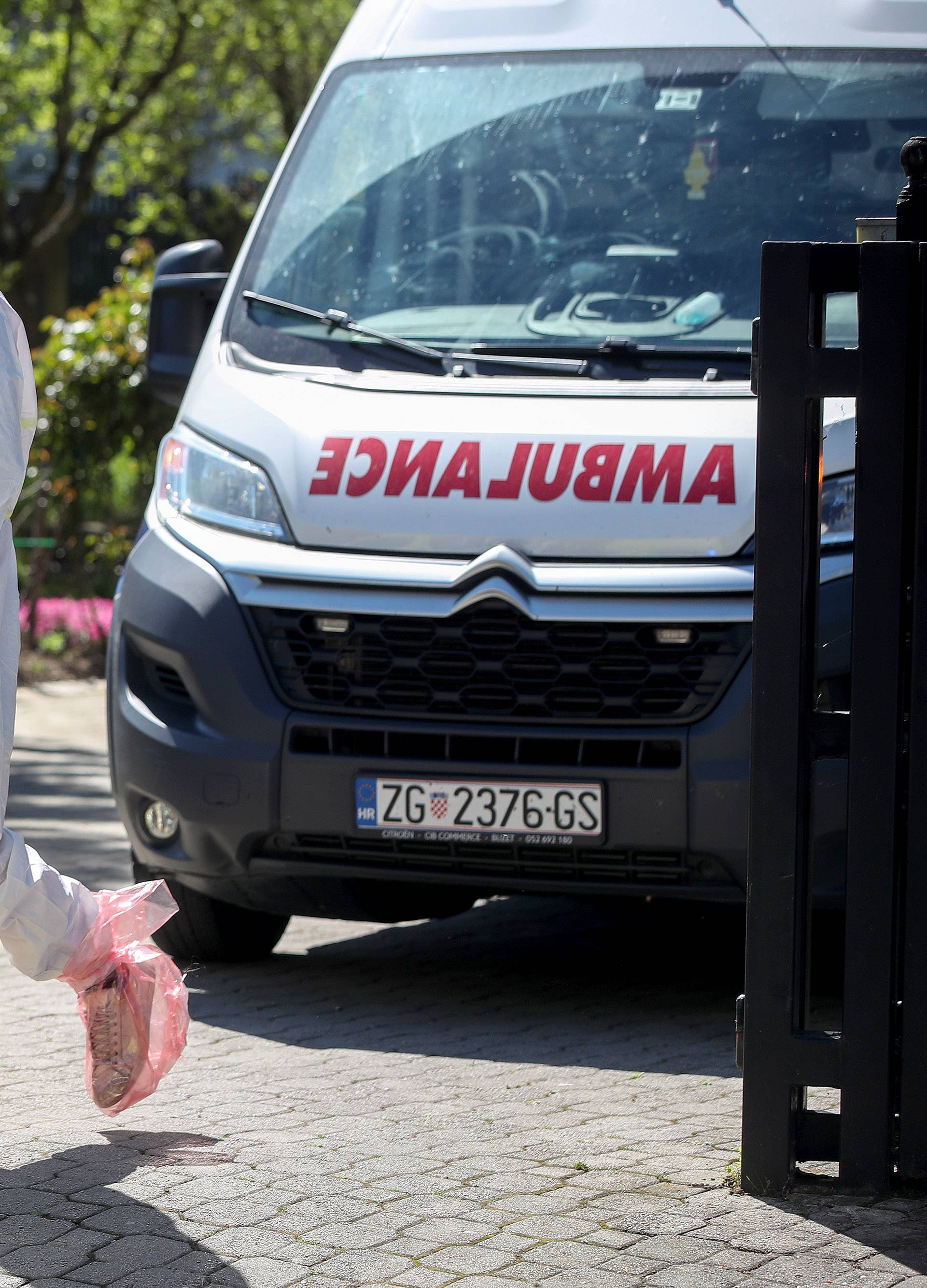 Zagreb: Evakuacija štićenika Doma za starije i nemoćne Bene Vita