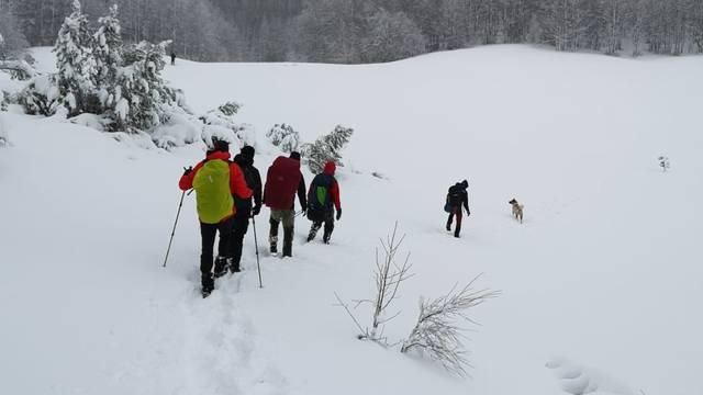 Planinari se izgubili u snježnoj mećavi, spašavao ih je HGSS