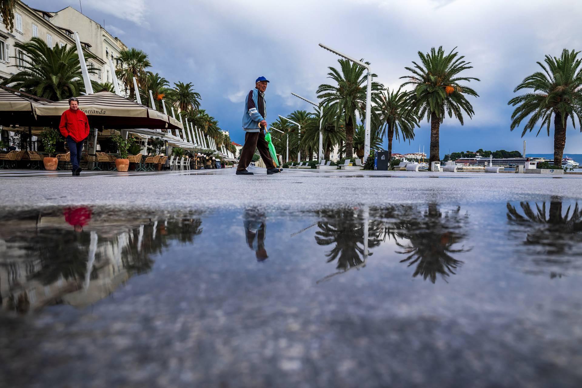Ulice Splita nakon cjelodnevne jesenje kiše