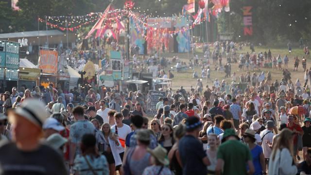 Dok broj zaraza raste, Velika Britanija organizira glazbeni festival: Očekuju na tisuće ljudi