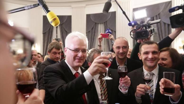 Josipovićeva tijesna pobjeda nosi opomenu teškog poraza