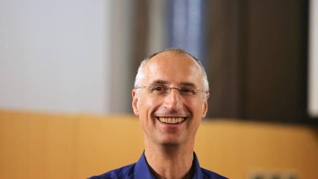 """Šibenik: Ivica Puljak održao predavanje """"Priča o svemiru i Higgsovom bozonu"""""""