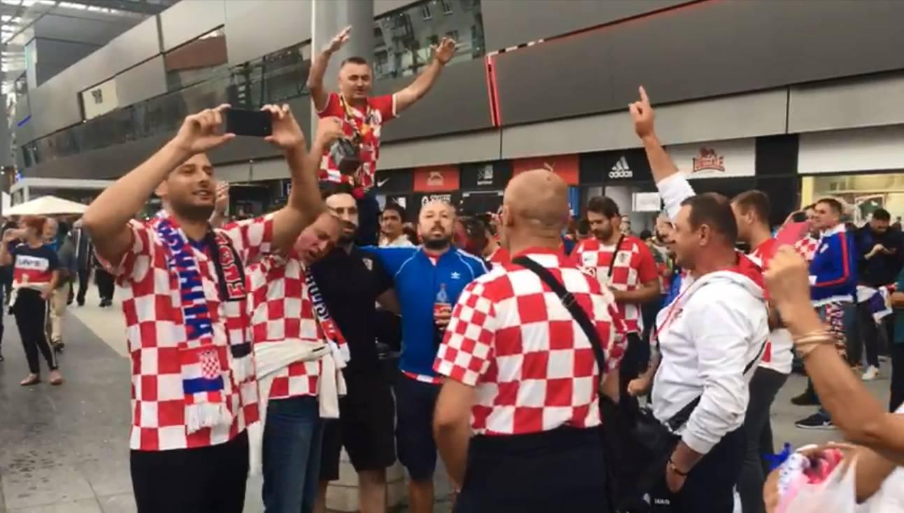 Gužva pred stadionom: Brojni naši navijači nisu smjeli unutra