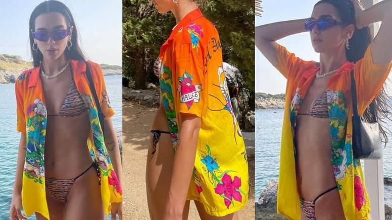 Dua Lipa predlaže jednostavnu kombinaciju: Košulju na badić