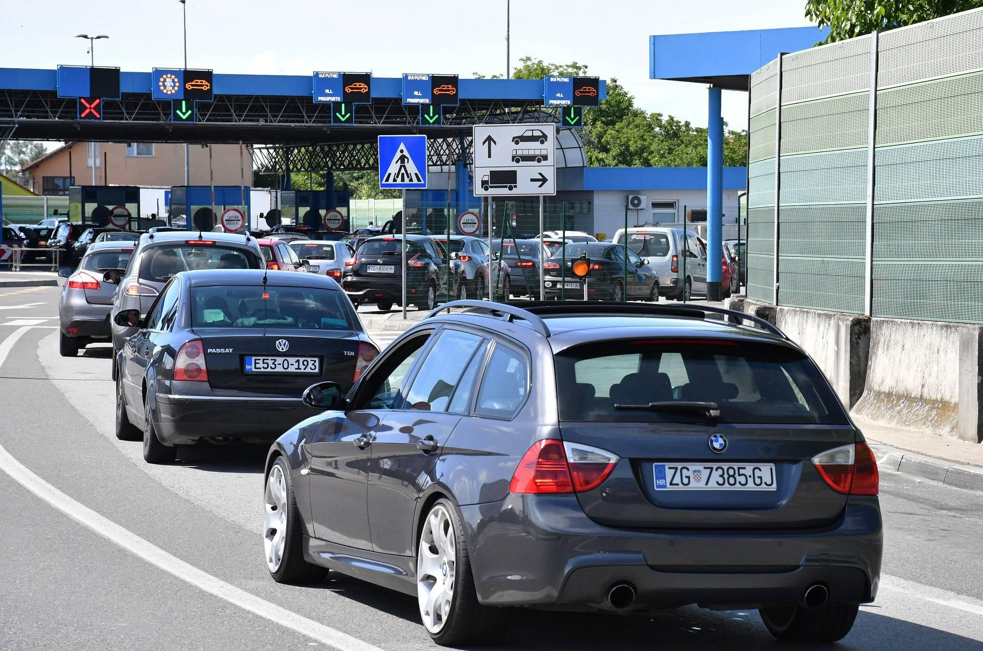 Državljani BiH zbog novih mjera iz straha bježe iz Hrvatske