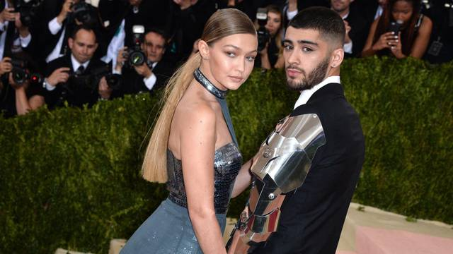 Zayn Malik And Gigi Hadid 'Expecting First Baby'