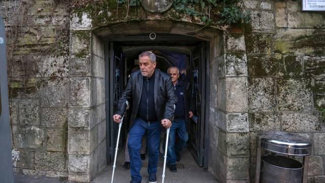 Zagreb: Gradonačelnik Bandić na štakama obišao tunel Grič i Advent na Strossu