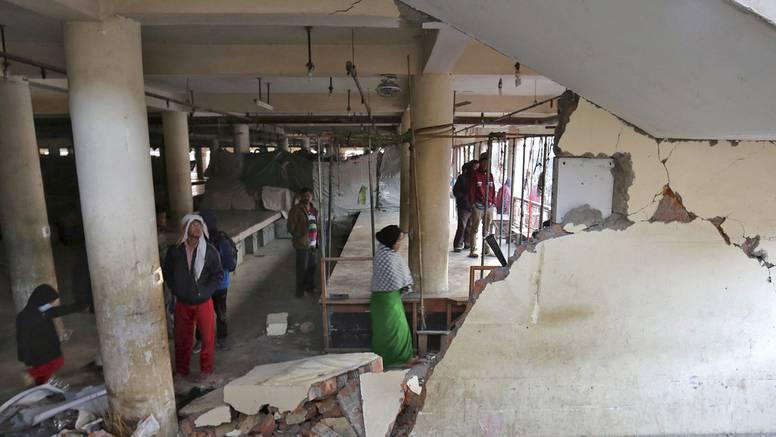 Snažan potres u Indiji: Devet mrtvih i 200 ozlijeđenih ljudi