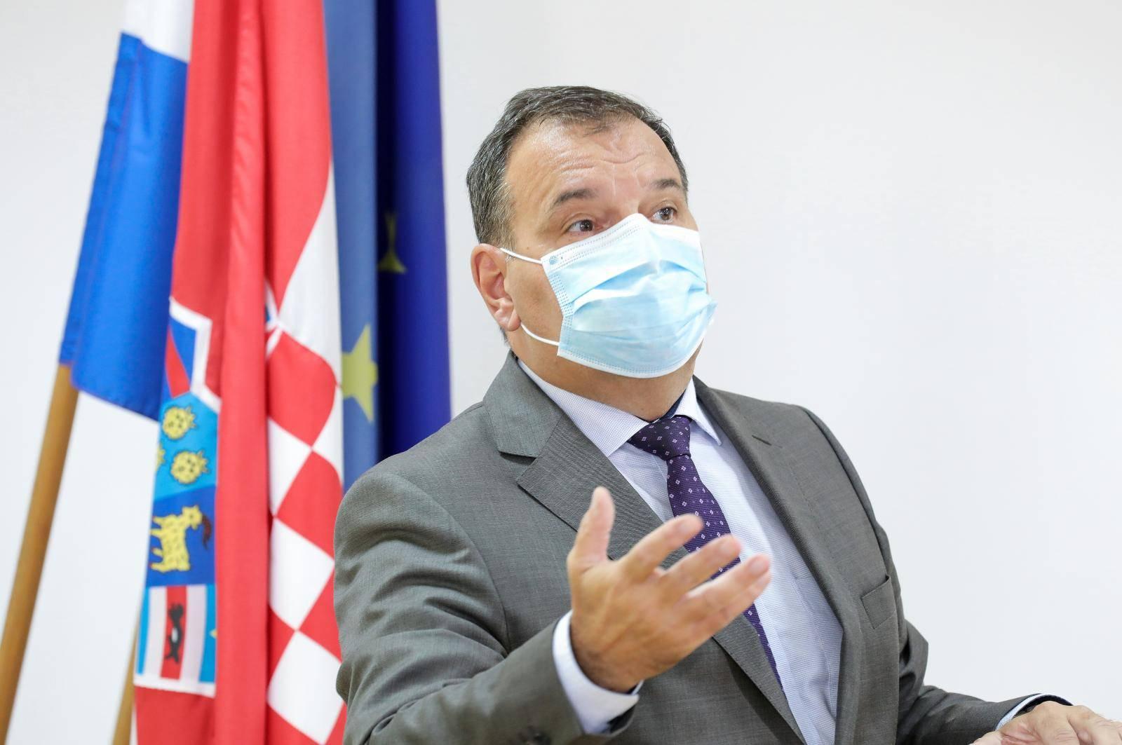 Zagreb: Vili Beroš i Krunoslav Capak obratili se medijima nakon sastanka s ravnateljima bolnica