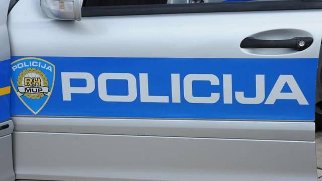 Motociklist udario dijete pa pobjegao, policija ga traži