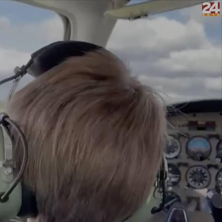 Dječak koji želi postati pilot položio prvu lekciju letenja