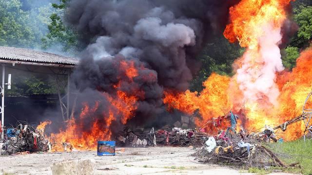 Velika vježba: 'Uhitili' teroriste pa su gasili zapaljenu tvornicu