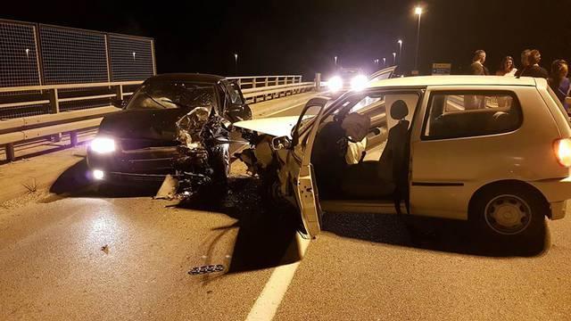 Jedna osoba lakše ozlijeđena u sudaru dva auta kod Vrbovca