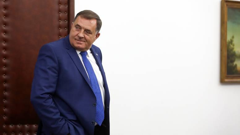 Dodik prijeti odcjepljenjem od BiH zbog zakona koji kažnjava nijekanje ratnih zločina