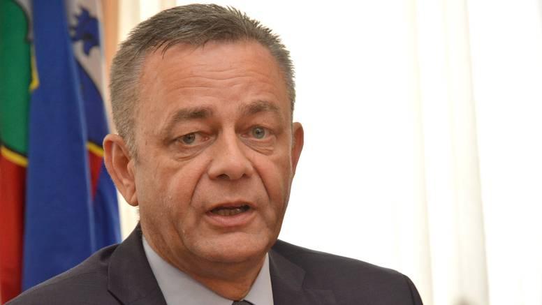 Županu Korenu pozlilo na misi, u pomoć mu priskočio Mrsić