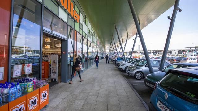 S popuštanjem sigurnosnih mjera Pula City Mall započeo je sa radom