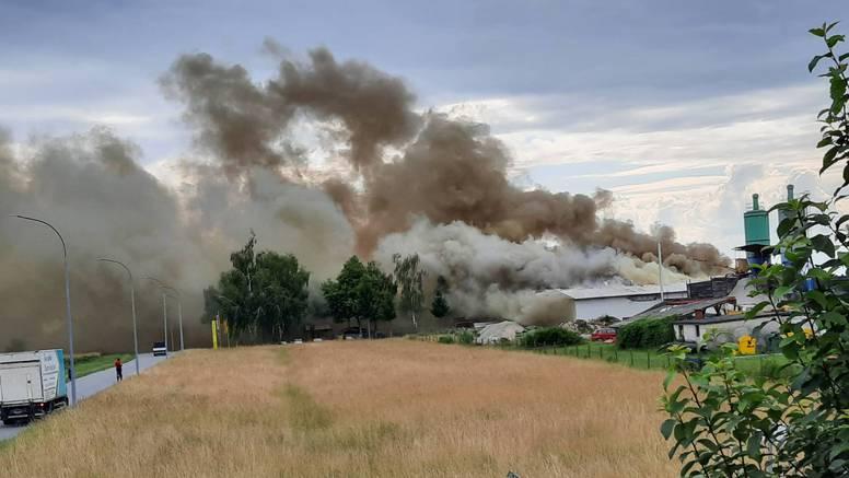 Kod Grubišnog Polja opet gori: Gusti dim zabrinuo građane