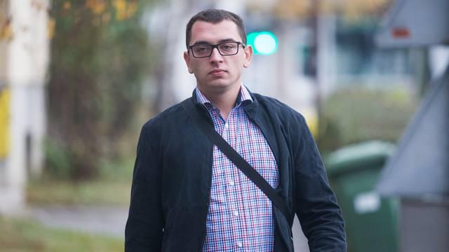 Valpovo: Počelo ponovljeno suđenje Branimiru Čolakoviću zbog pjevanja bećarca policajki