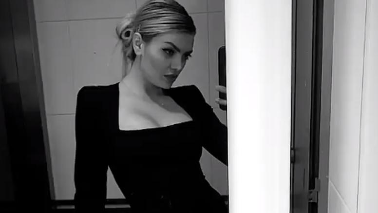 Ella Dvornik dubokim prorezom na haljini zapalila Instagram