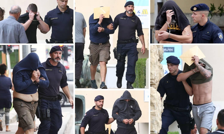 Huligani su opet skrivali lice, prijatelji im vrijeđali novinare