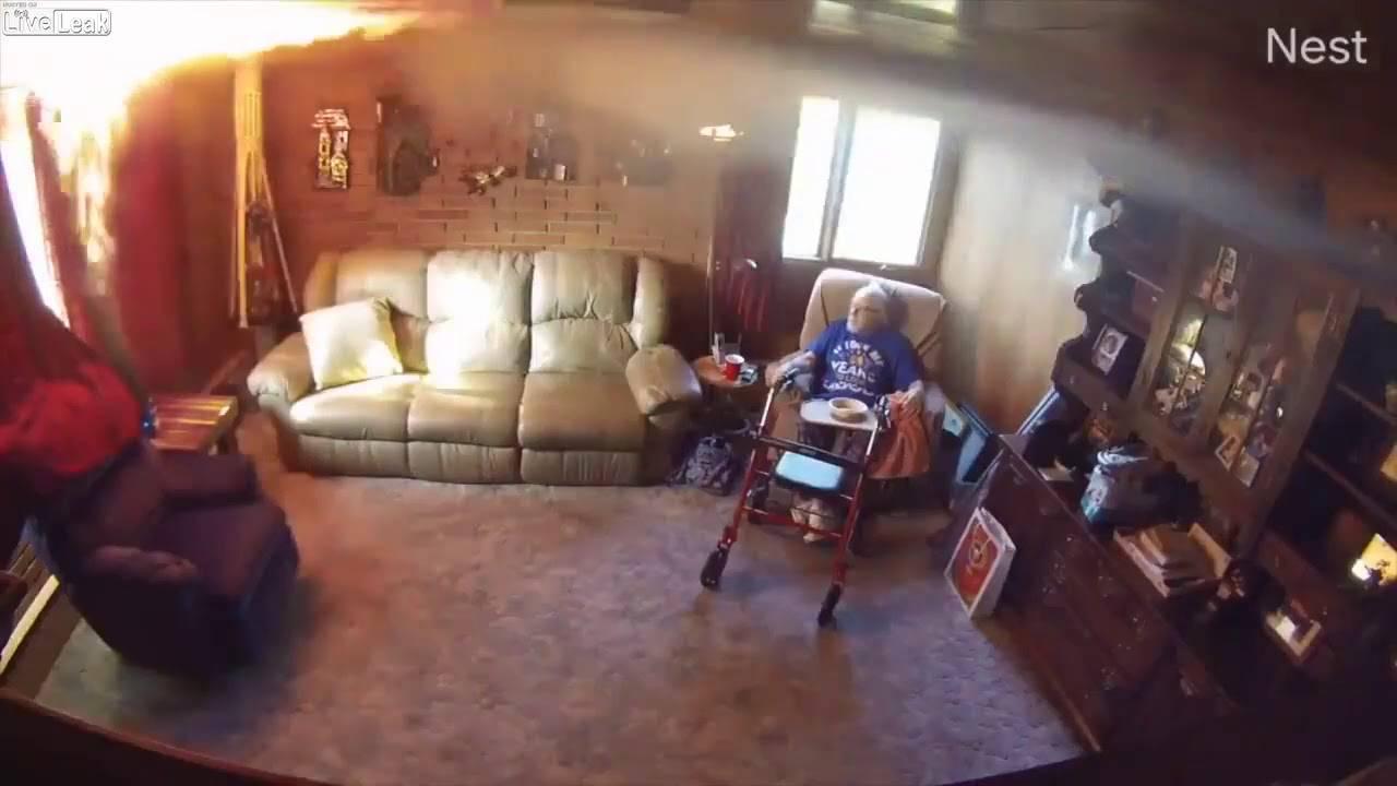 U zadnji čas spasili starca (88) od požara: Djed nije shvatio što se događa, boluje od demencije