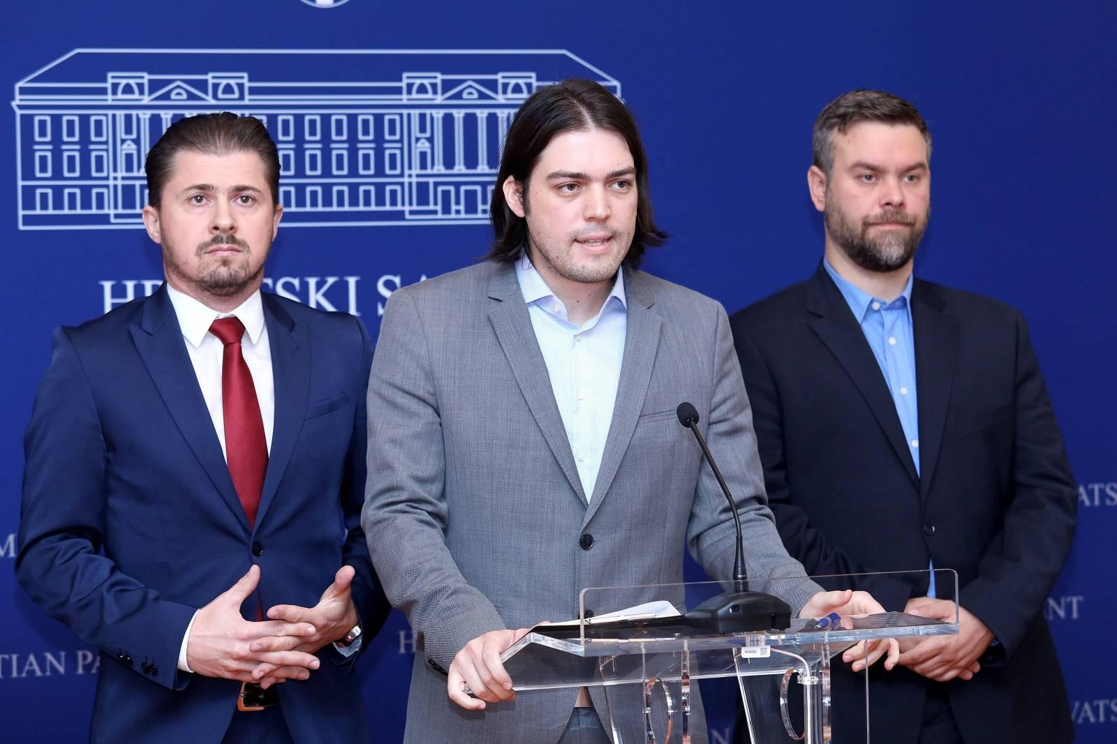 "Zagreb: Konferencija za medije Živog zida o temi ""Brodogradnja i HBOR"""