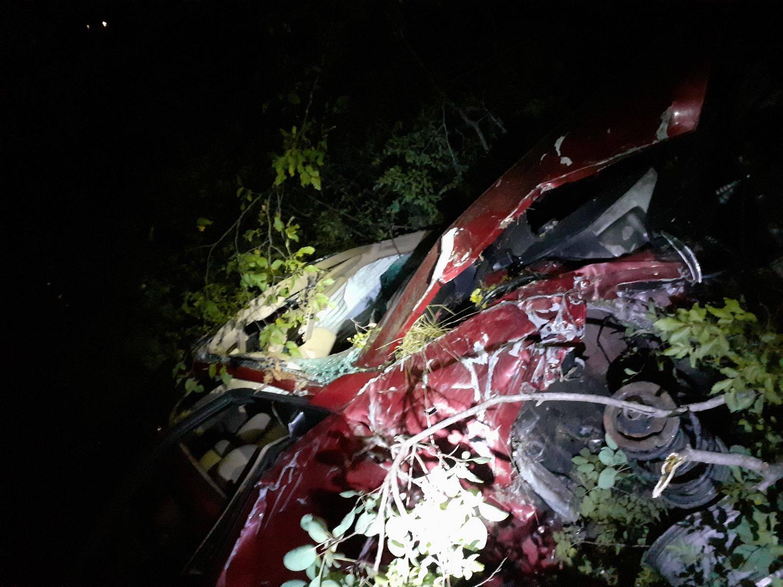 Detalji strave kod Knina: Mladić u BMW-u probio ogradu i sletio u provaliju duboku 16 metara