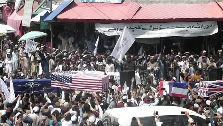 Talibani 'pokopali' NATO i SAD, na lijesovima njihove zastave: 'Oslobodili smo se velike sile'