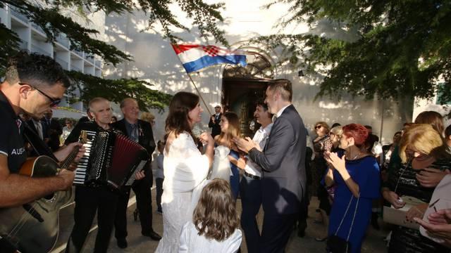 Baška Voda: Vjenčali se saborska zastupnica Dragica Roščić i dogradonačelnik Makarske Joze Vranješ