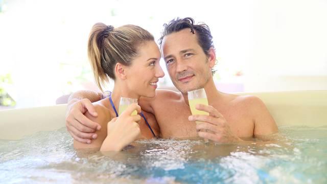 5 groznih stvari koje se mogu dogoditi zbog seksa u jacuzziju