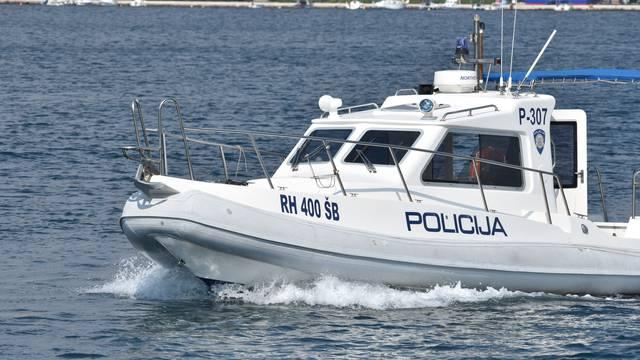 Ribarili kod Palagruže: Policija uhitila trojicu talijanskih ribara