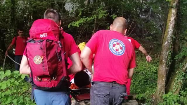 Nestala mlada žena kod Drniša: HGSS krenuo u potragu za njom
