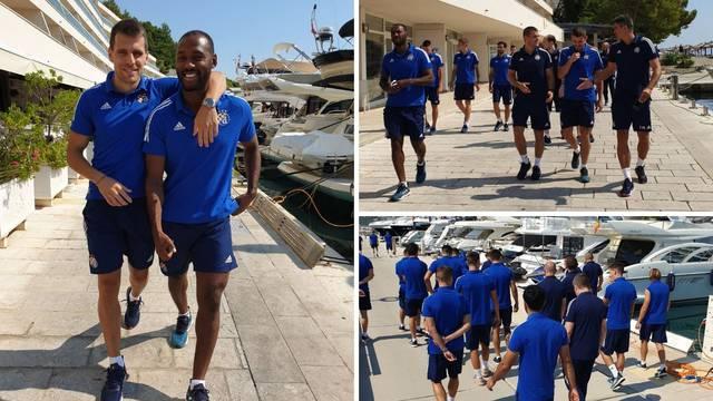Dinamovci stigli u Split: Prije derbija  - ugodna šetnja gradom