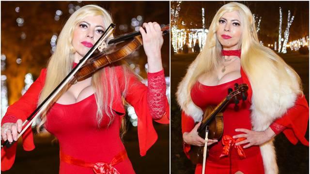 Violinistica izvela božićne hitove