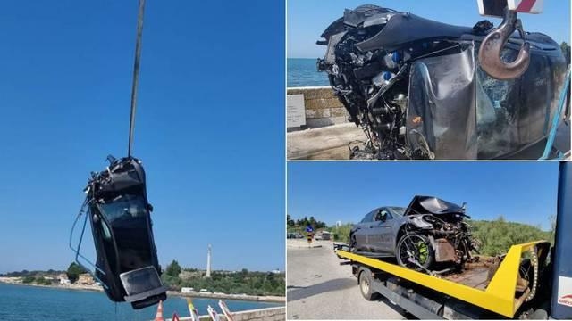 Jurili Porscheom od 180 tisuća eura pa kod Novigrada sletjeli s mosta i završili na dnu mora