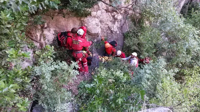 HGSS izvlači muškarca iz 200 metara dubokog kanjona Cetine