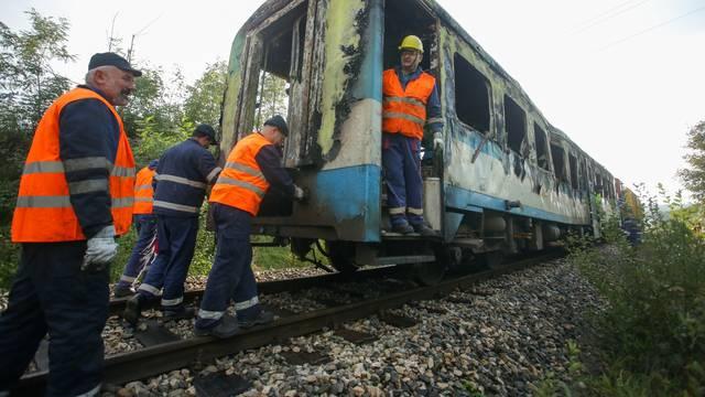 Izgorio putnički vlak u Našicama