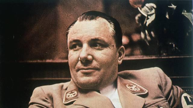 Martin Bormann, Porträtaufnahme um 1942.
