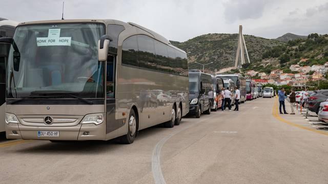 """Dubrovnik: Prosvjed """"Honk for hope"""" u organizaciji inicijative Povremenog prijevoza putnika"""
