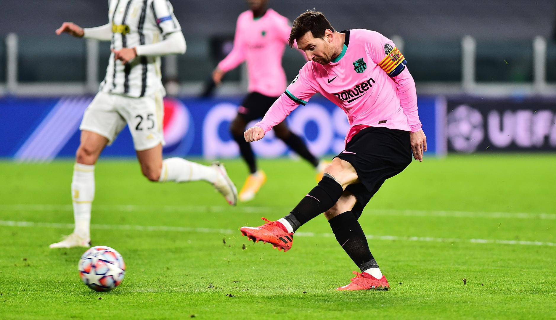 Champions League - Group G - Juventus v FC Barcelona