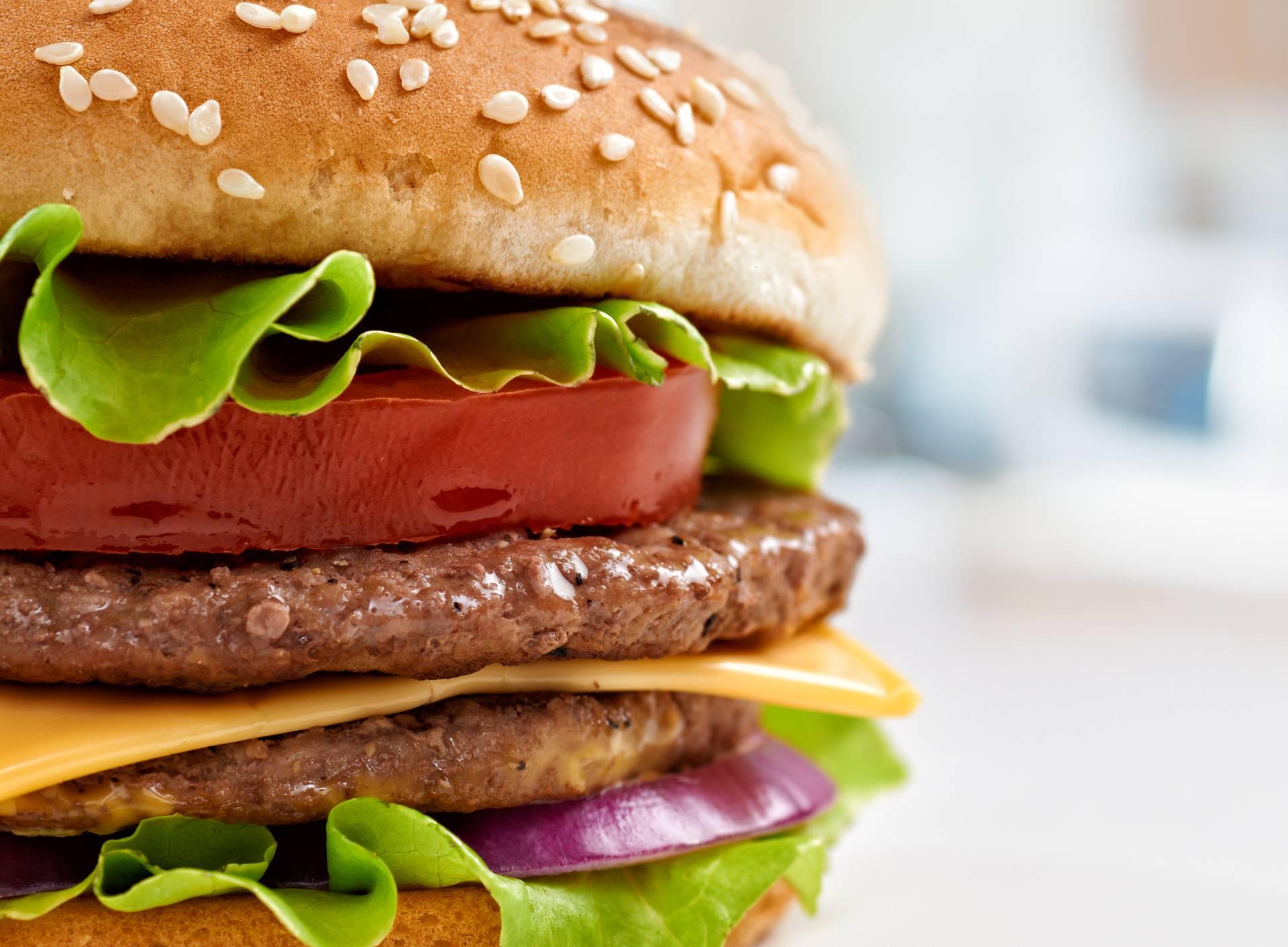 Savršeni hamburger ima devet slojeva i visok je 7 centimetara