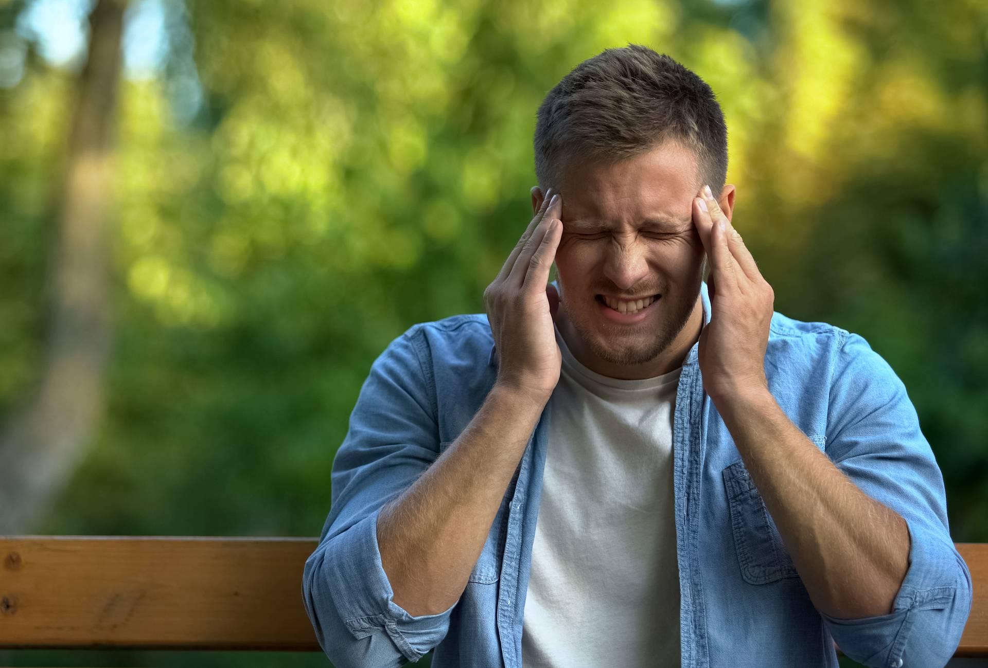 Muči vas glavobolja? Naučite kako je se možete brzo riješiti