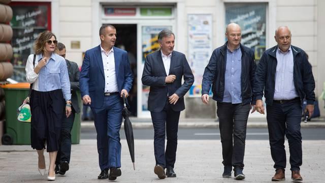 Rijeka: Predsjednik Domovinskog pokreta Miroslav Škoro održao konferenciju na Korzu