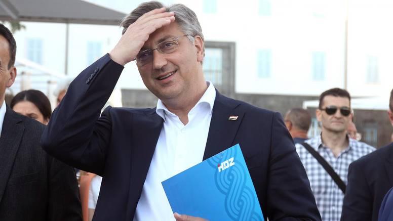 Plenković: I ja i ministar Beroš smo s Hvara. Još da bude i vrhovni sudac - pa to je pjesma!